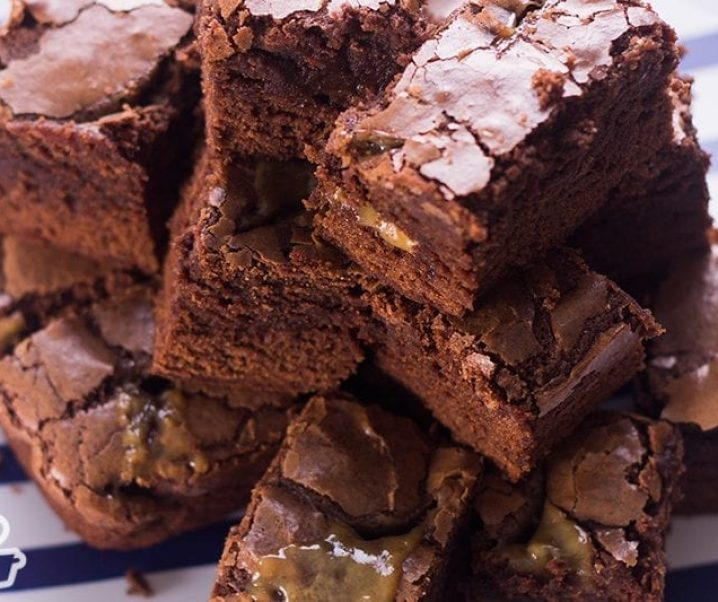 Brownie com caramelo