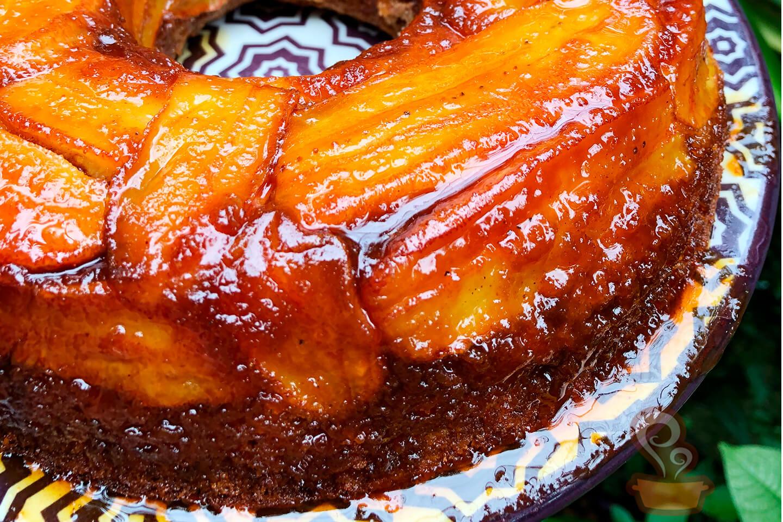 Bolo de banana caramelada - naminhapanela.com