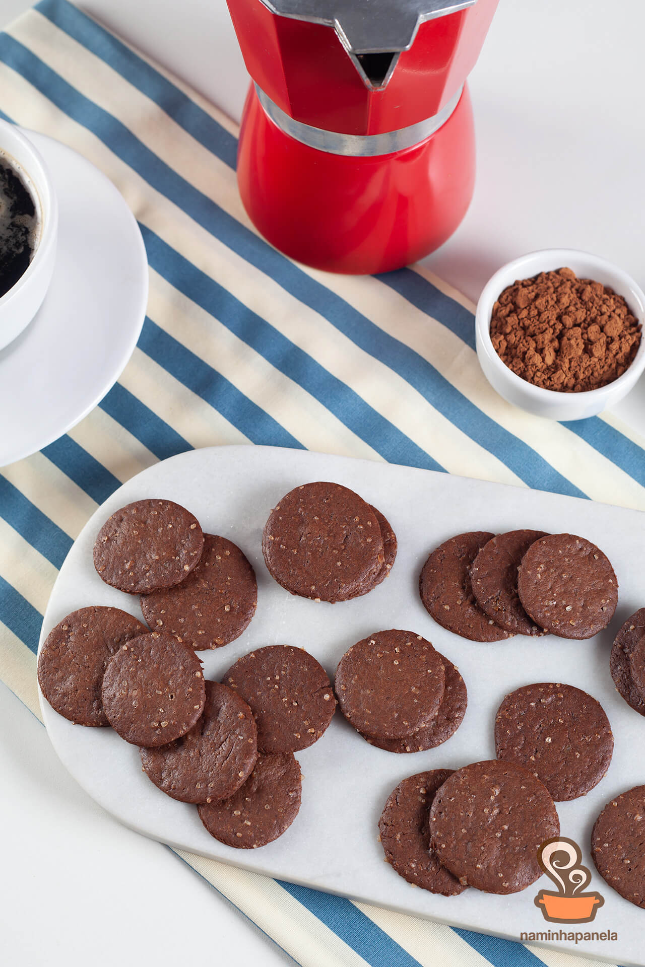 Biscoito de chocolate fácil - naminhapanela.com